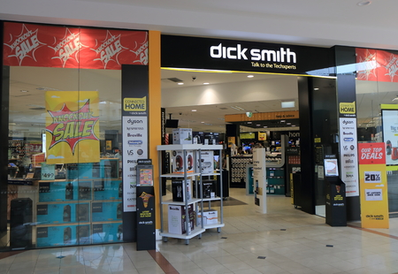 멜버른 호주 - 2016 년 1 월 1 일 : 가전 제품의 호주 주요 소매 업체 인 Dick Smith 전자 제품 매장. 에디토리얼