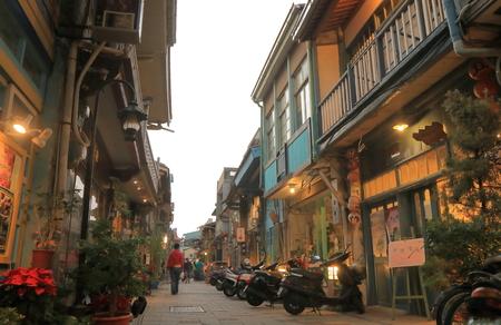 대만 타이난 - 2016 년 12 월 11 일 : Shennong 역사 거리. Shennong 역사적인 거리 왕조 청나라 동안 올드 포트의 역사를 가진 독특한 장소입니다.