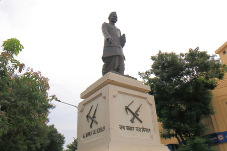 Mumbai India - October 11, 2017: Jai Jawan Jai Kisan statue in downtown Mumbai India. Jai Jawan Jai Kisan was a slogan given to India by the Prime Minister of India Lal Bahadur Shastri in 1966 Editöryel