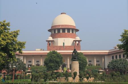 뉴 델리 인도 -2007 년 10 월 28 일 : 사람들 대법원은 인도 뉴 델리에서 방문