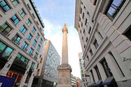 Monument au grand incendie de Londres à Londres en Angleterre