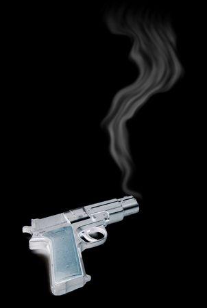 pistola fumante, prove di un reato. pistola che hanno appena stato licenziato con fumo dal barile