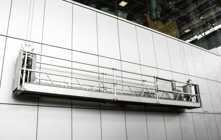 Basket cleaner building glass