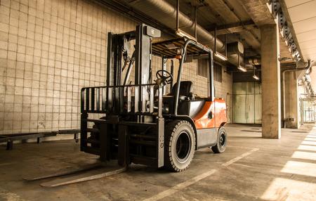 lift truck: folk lift truck