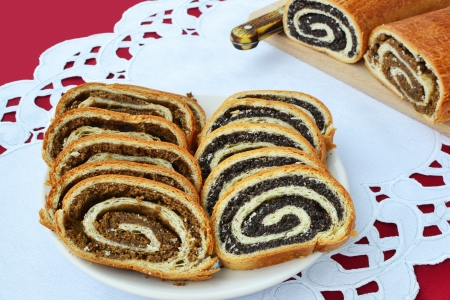Poppy seed and walnut rolls served at Christmas and Easter in Europe  Stockfoto