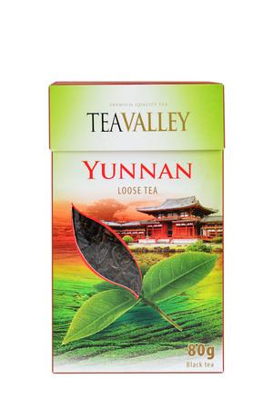 loose leaf: Cluj-Napoca, Ruman�a - 01 2015: Prima de hojas sueltas t� de Yunnan es una de gama alta gourmet t� negro de la provincia china de Yunnan, la cuna del t�. Teavalley marca del producto.