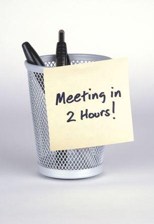 Meeting in 2 Hours! Post-It Note Banco de Imagens