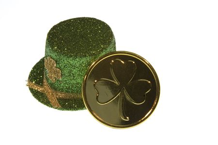 Leprechaun's hat and lucky coin. Stock Photo - 327320