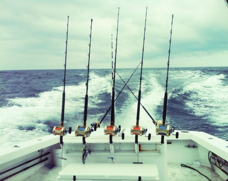 charter: Deep sea fishing on the Atlantic. Trolling for tuna and marlin over the Baltimore canyon in the Atlantic Ocean. 60 miles off the coast of Ocean City Maryland.  Stock Photo