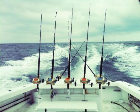 Pêche en haute mer sur l'Atlantique. Pêche à la traîne pour le thon et le marlin sur le canyon de Baltimore dans l'océan Atlantique. 60 miles au large de la côte de Ocean City au Maryland.