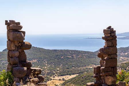 Natural stone with sea and nature scenery 版權商用圖片