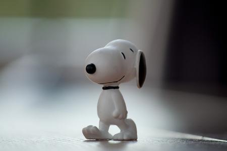 macro figuur van Snoopy in kleur
