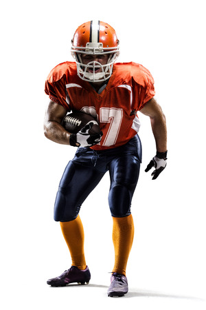futbolista: Jugador de fútbol americano en la acción en blanco aislado