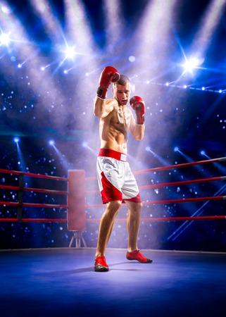 Professionl boxer staat op de grote arena