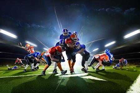 jugadores de futbol: Collage de los jugadores de fútbol americano de la acción en el Grand Arena