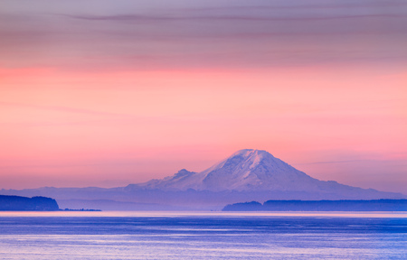 The Puget Sound and Mount Rainier at sunrise, Washington, USA Stock Photo