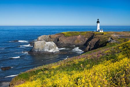 ヤーキーナ ヘッド灯台、オレゴン州、アメリカ合衆国 写真素材