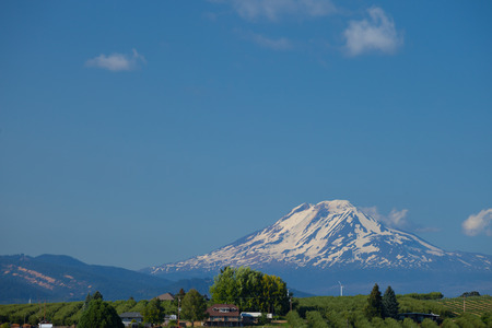 A view of Mount Adams, a volcano in Washington State, USA