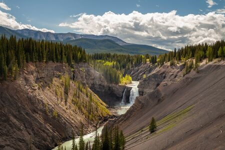 Ram Falls in the foothills of the Canadian Rocky Mountains, Alberta, Canada Banco de Imagens - 132712662
