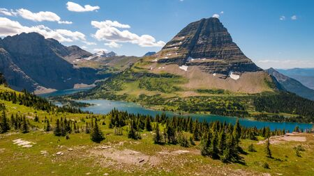 Hidden lake overlook along the Hidden Pass Trail in Logan Pass area of Glacier National Park, Montana, USA Banco de Imagens - 132706250