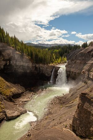Ram Falls in the foothills of the Canadian Rocky Mountains, Alberta, Canada Banco de Imagens - 132720619