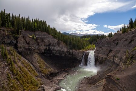 Ram Falls in the foothills of the Canadian Rocky Mountains, Alberta, Canada Banco de Imagens - 132724110