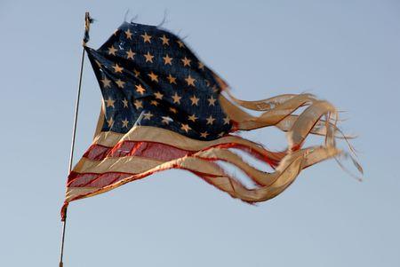 ずたずたに裂かれた 48 星第二次世界大戦ヴィンテージ アメリカの国旗 写真素材