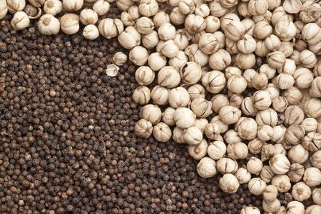 Dry black pepper and cardamon