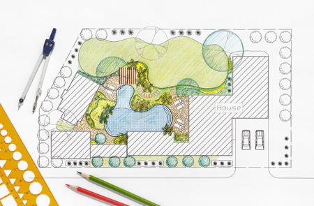 Landscape architect design backyard plan for villa 版權商用圖片 - 43587095