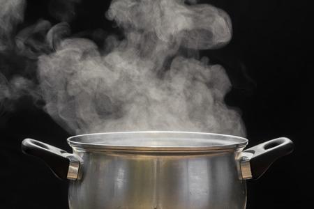 vapor sobre olla
