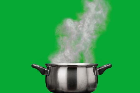 steel pan: vapor sobre olla
