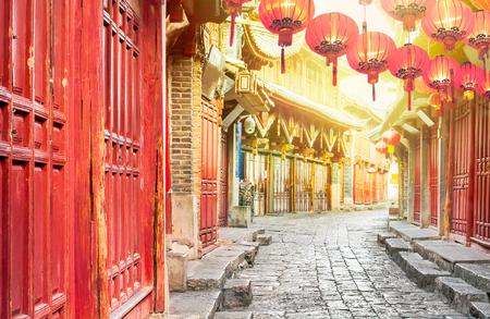 朝は、中国雲南省麗江旧市街の中国 写真素材