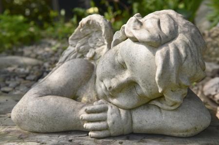 quietude: Anjo no jardim