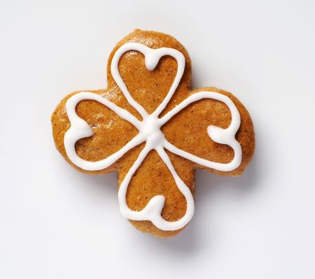 fourleaved: Gingerbread cookie in the shape of a four leaf clover