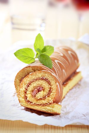 swiss roll: Swiss roll, slice cut off