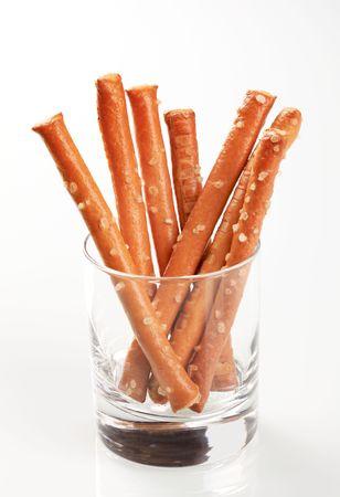 gressins: Breadsticks sal�s dans un verre.  Banque d'images