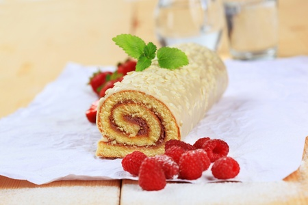 swiss roll: Swiss roll glazed with white chocolate icing