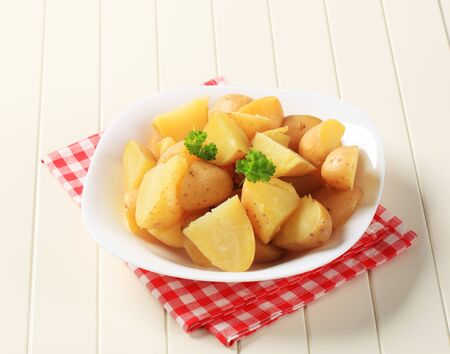 boiled: Bowl of potatoes boiled unpeeled - closeup Stock Photo