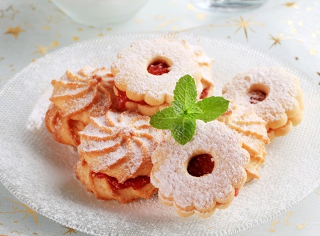 Jam sandwich cookies powdered with icing sugar Stock Photo - 11108054