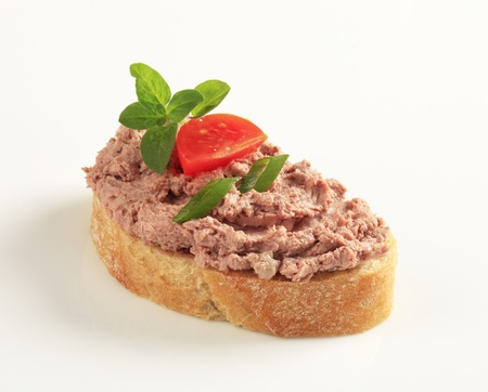 tuna: Slice of toasted bread and meat spread