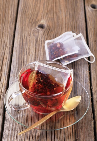 sachets: Fruit tea in a glass cup