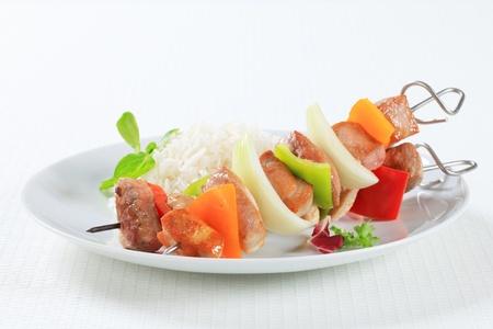 riso bianco: Spiedini di maiale con riso bianco