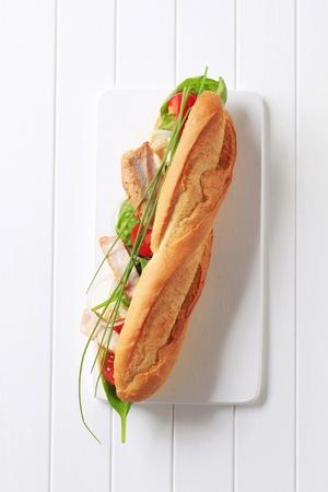 frans brood: Stokbrood gevuld met groenten en kip strips