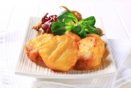 nuggets de pollo: Nuggets de pollo con setas salteadas