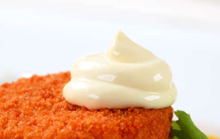 ermine: Queso frito empanado con mayonesa Foto de archivo