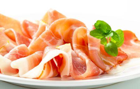 Rebanadas finas de jamón de Parma