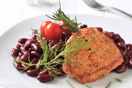 pan fried: Marinato di maiale in padella con fagioli rossi