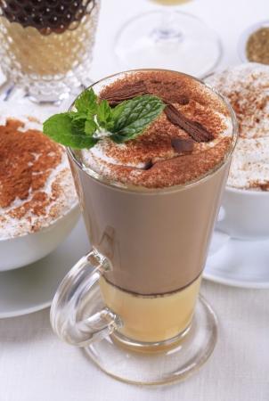 eggnog: Ponche de huevo bebidas de caf� latte y de otro tipo