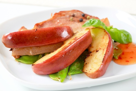 pan fried: Pan fritto pancetta e spicchi di mela