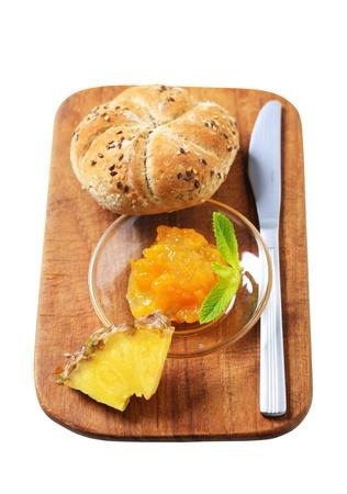 kaiser: Whole grain kaiser roll with marmalade